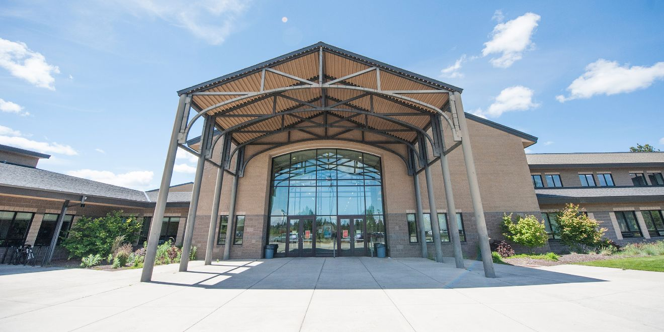 Summit High School exterior