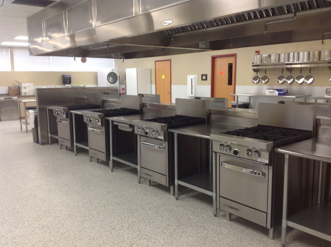 Mountain View High School culinary room